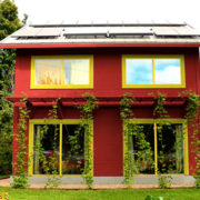 Izjemno učinkovita pasivna hiša uporablja isto količino energije kot sušilec za lase