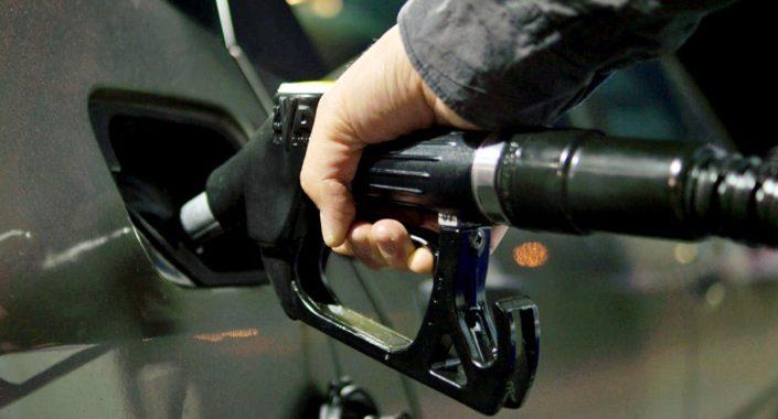 10 nasvetov KAKO in KOLIKO lahko privarčujete pri gorivu? / Foto: Pexels