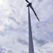 Slovenija tudi uradno dobila prvo vetrno elektrarno / Pozitivna energija
