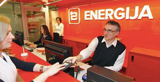 Energija plus še naprej pomaga odjemalcem / Pozitivna energija