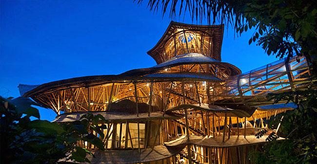 Trajnostna hiša iz bambusa na Baliju