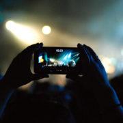 Kupci želijo učinkovitejše telefone / Foto: Pexsels